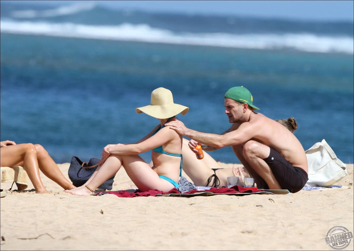 Смотреть секс на пляже, Трахнул на пляже -видео. Смотреть Трахнул на 10 фотография