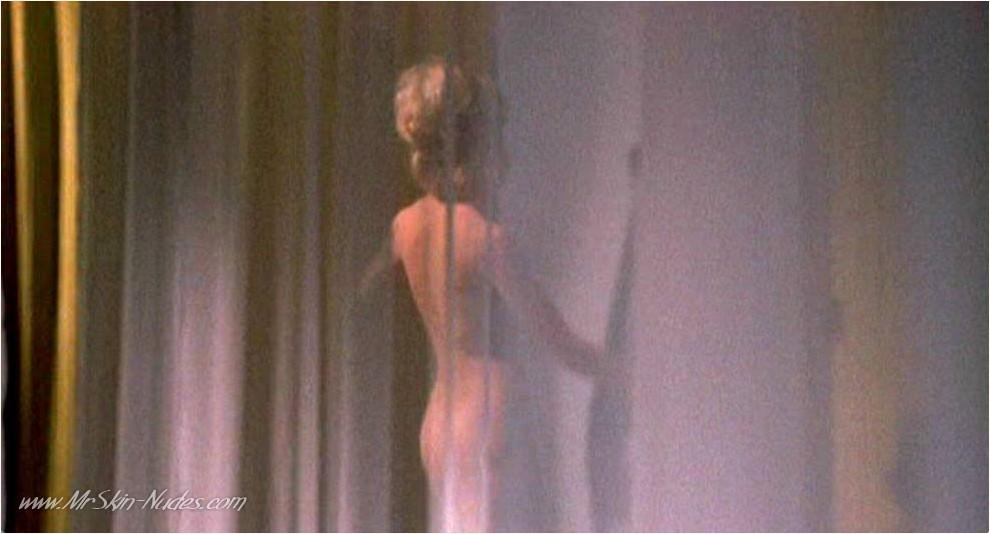 Goldie Hawn Upskirt