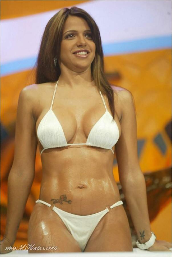 ::: MRSKIN :::Vida Guerra nude and sexy bikini ass shots