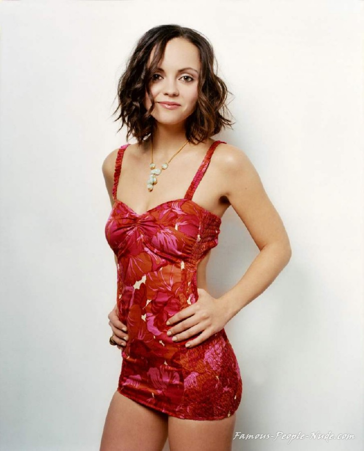 Check out these hot pictures of Christina Ricci and surf our free tour ...