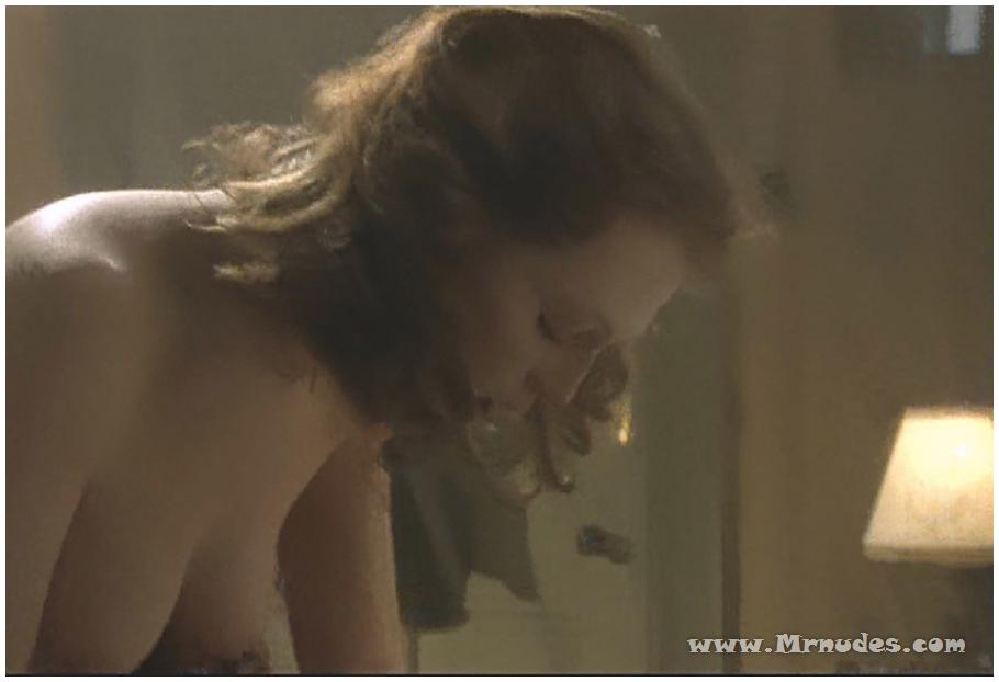 julianne moore pussy upclose