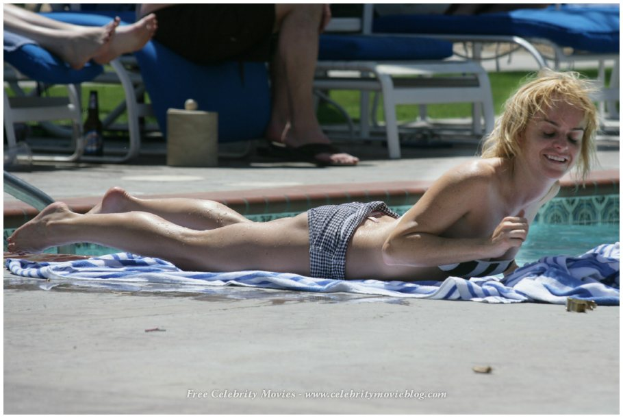 courtney jines hot naked