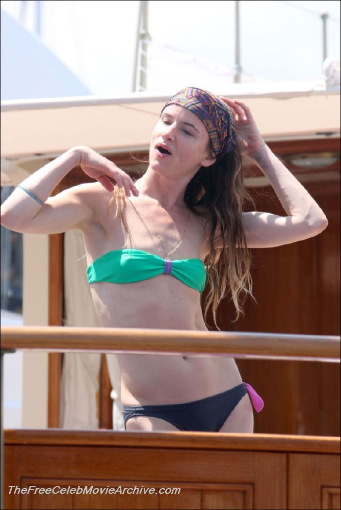 RealTeenCelebs.com - Juliette Lewis nude photos and videos