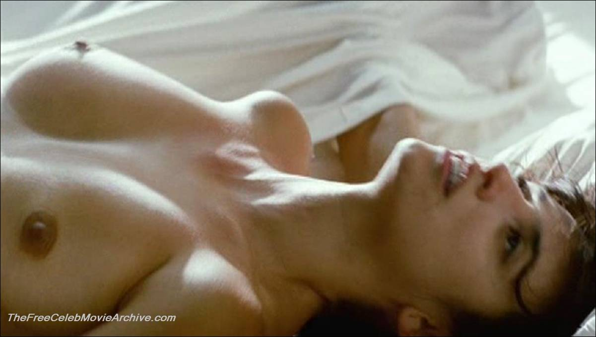 penelope cruz boobs
